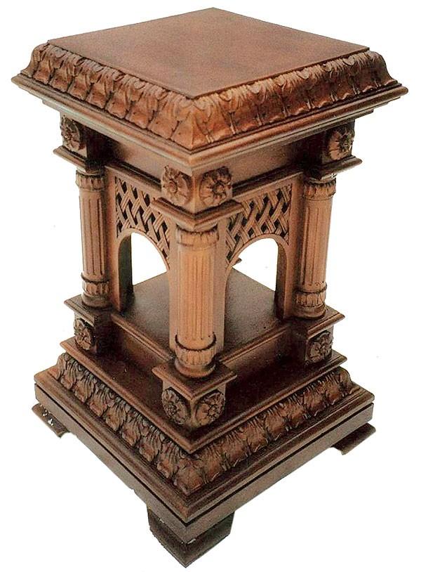 Столик под мощевик